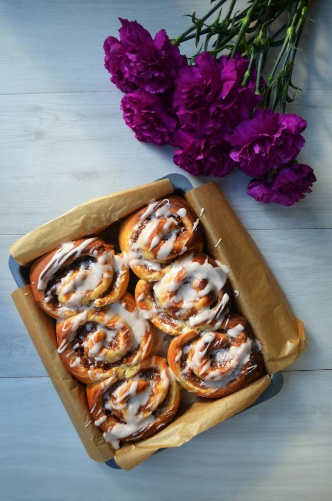 Easy Apple Cinnamon Buns - The Cardiff Cwtch