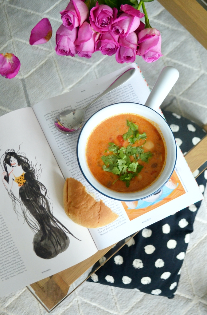 Vegan Recipes - Creamy Mexican Red Pepper and Bean Stew - The Cardiff Cwtch