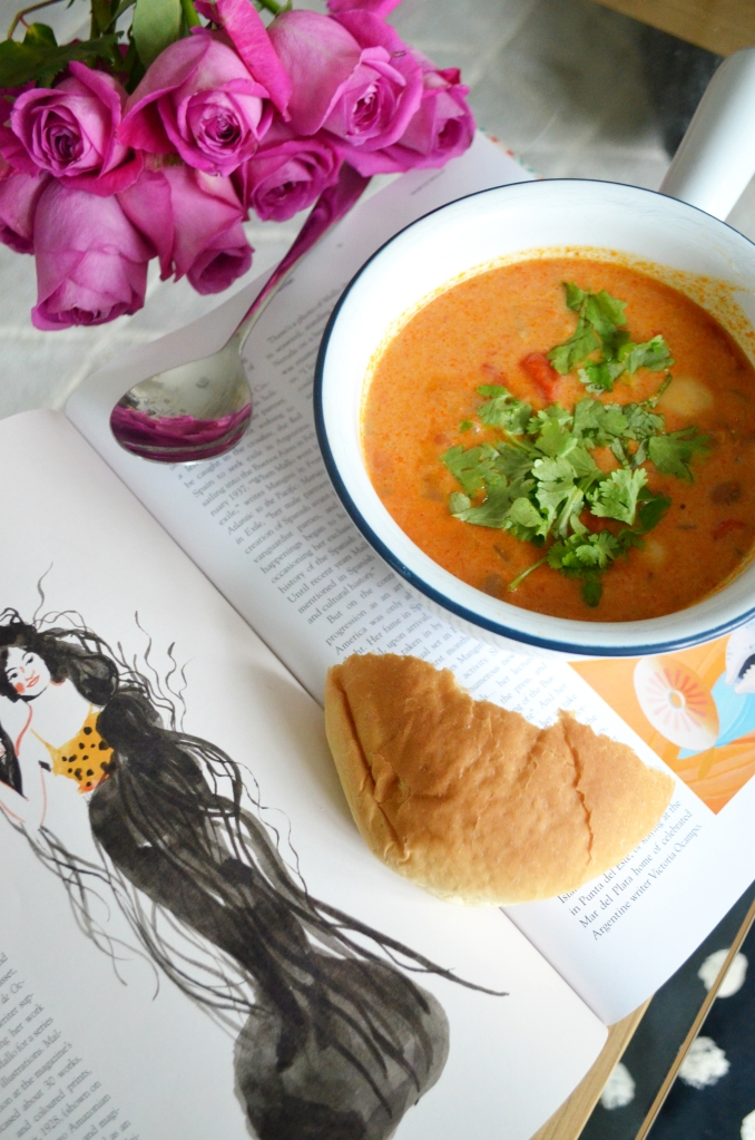 Vegan Recipes - Spicy and Creamy Mexican Red Pepper and Bean Soup - The Cardiff Cwtch