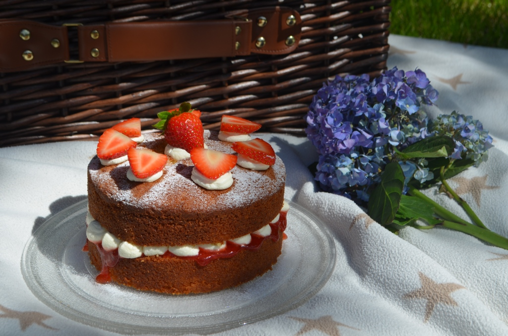 Picnic Perfect Victoria Sandwich Cake - The Cardiff Cwtch - Welsh Lifestyle Bloggers